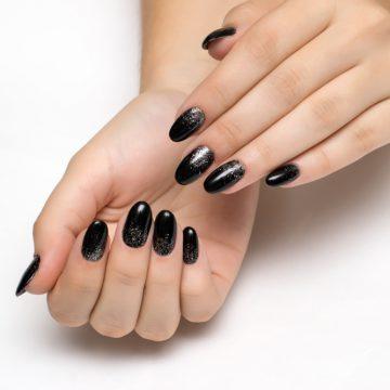 Black is back: 3 ideas de manicura en color negro