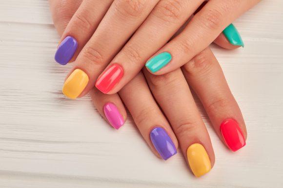 Manicuras: colores de verano