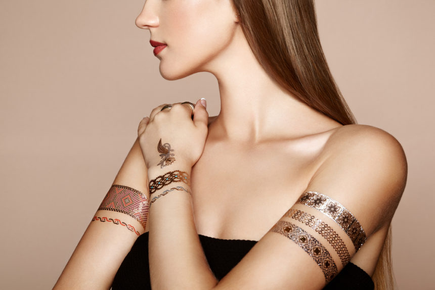 Flash tattoos: la tendencia ideal para combinar con tu manicura