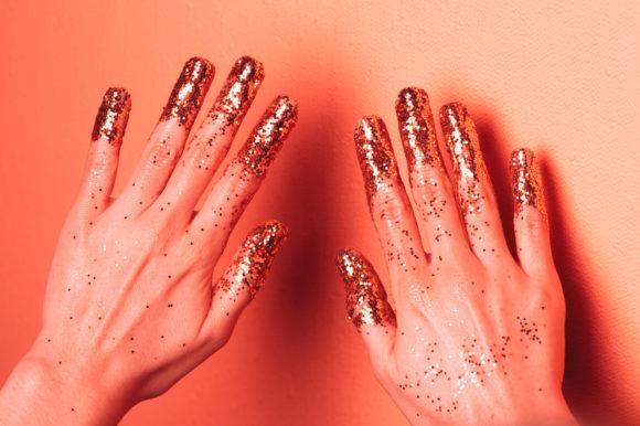 Ideas de manicura con Living Coral, el color tendencia de 2019