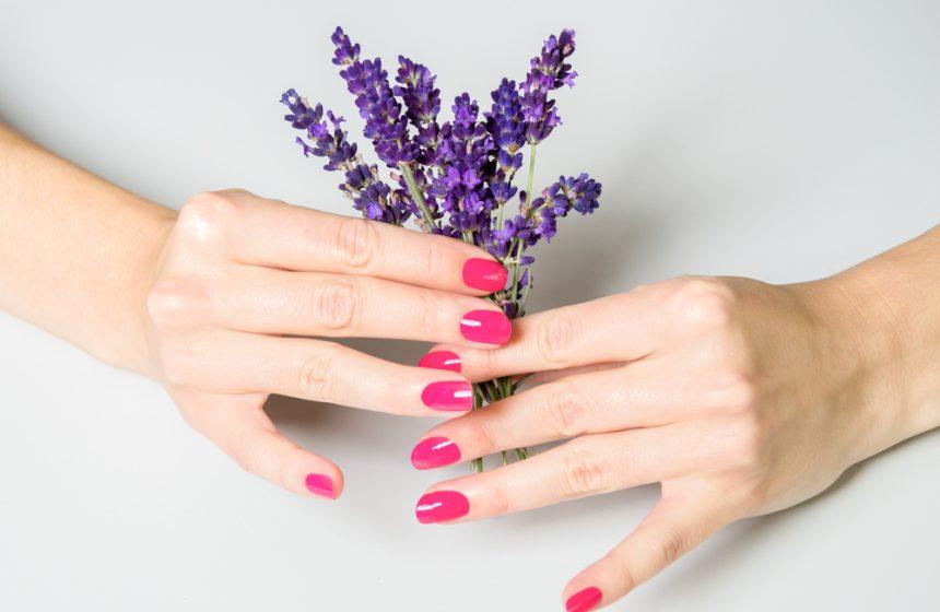 Descubre si tus manos delatan tu edad y cómo evitarlo