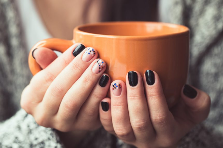 Ideas de manicura en color negro