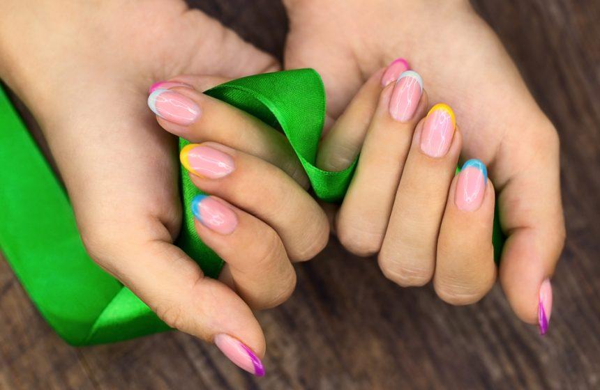 Rainbow nails crisnail
