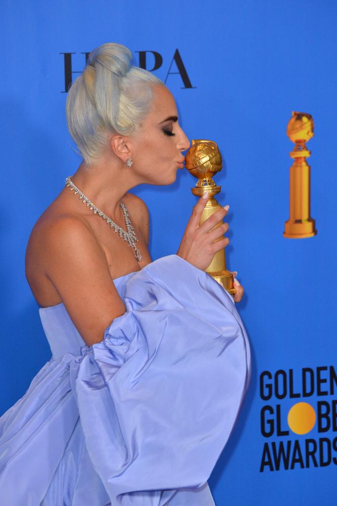 Tenemos los tonos que lucieron las famosas en los Globos de Oro