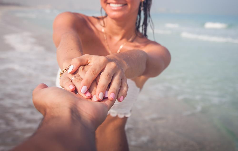 El verano en tus manos: manicuras veraniegas con Crisnail