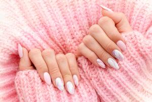 uñas rosa mármol