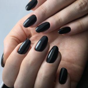 Manicura negra
